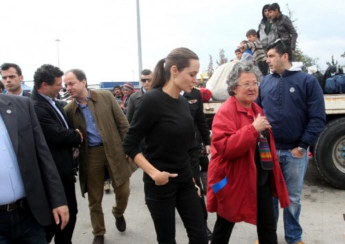 H Angelina Jolie Στην Ελλάδα - εικόνα 2