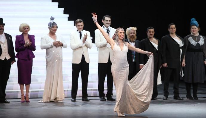 Victor-Victoria: Η Επίσημη Πρεμιέρα