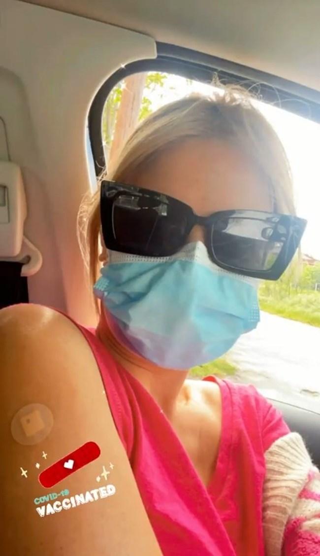 Η Φαίη Σκορδά έκανε το εμβόλιο κατά του κορονοϊού