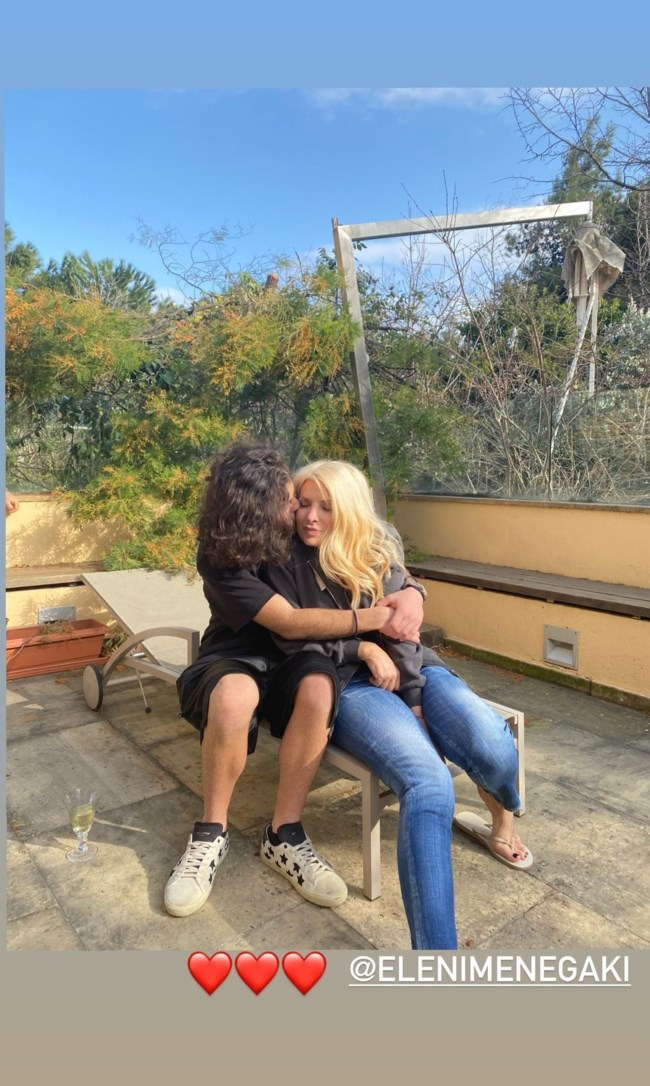 Η Ελένη Μενεγάκη στην αγκαλιά του Άγγελου Λάτσιου