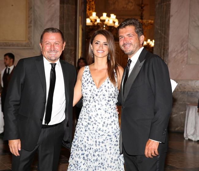 Ονειρεμένο Gala Dinner Tης Carpisa Στα Βασιλικά Ανάκτορα Της Caserta