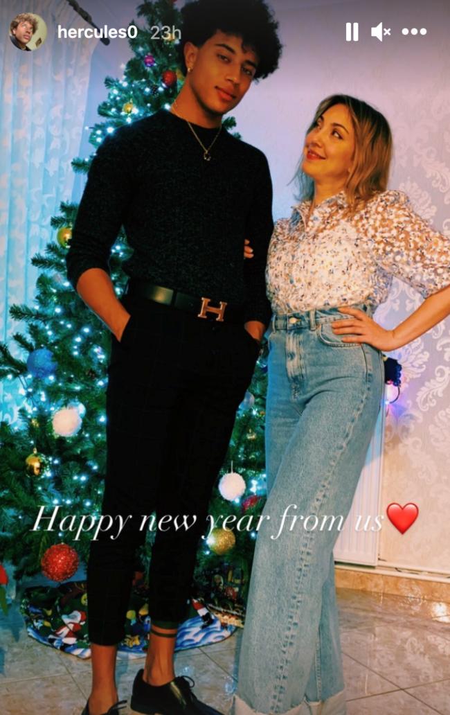 Ο Ηρακλής Τζουζίνοφ στέλνει ευχές για την Πρωτοχρονια με τη μητέρα του!