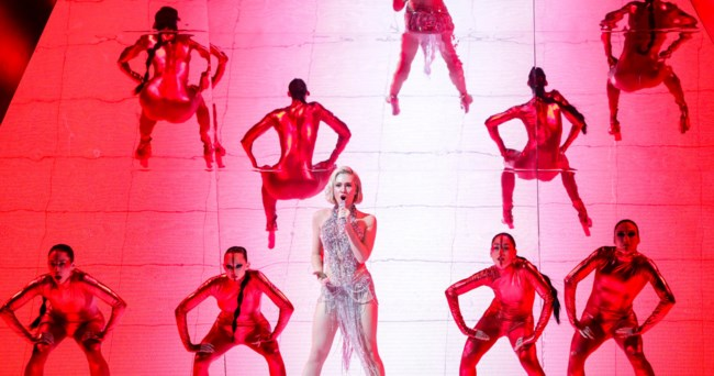 Eurovision 2021   H εμφάνιση της Έλενας Τσαγκρινού για την Κύπρο στον Ημιτελικό!