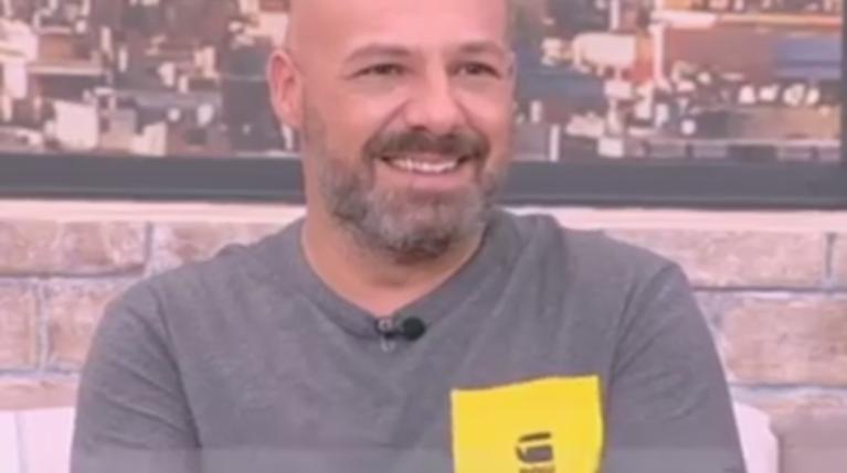 Ο Νίκος Μουτσινάς Στο Happy Day