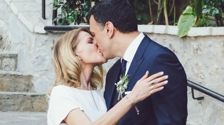 Τζένη Μπαλατσινού - Βασίλης Κικίλιας φιλί γάμος