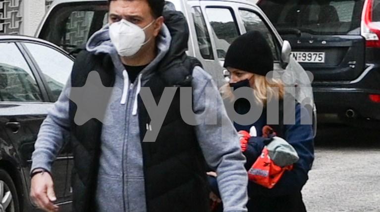 Ο Βασίλης Κικίλιας και η Τζένη Μπαλατσινού με τον γιο τους
