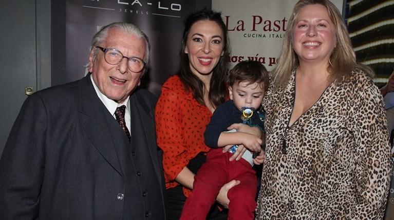 Κώστας Βουτσάς - Αλίκη Κατσαβού με το γιο τους - Σάντρα Βουτσά