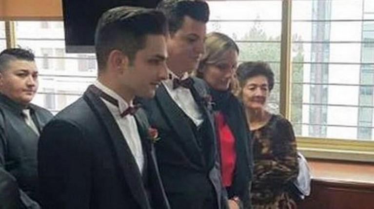 Μάριος Φρίξου gay γάμος Φάνος Ελευθεριάδης