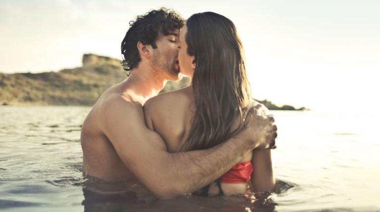 Το καλοκαίρι κάνουμε όντως περισσότερο σεξ;