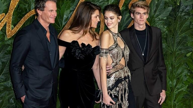 Στα British Fashion Awards έδωσαν το παρών ο Rande Gerber με την Cindy Crawford και τα δύο παιδιά τους, Kaia Gerber και Presley Gerber