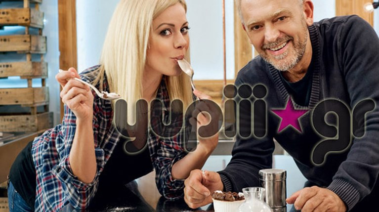 Η Ζέτα Μακρυπούλια στην κουζίνα με τον Στέλιο Παρλιάρο (1)