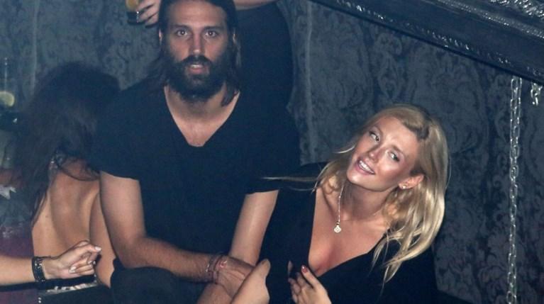 Γιώργος Σαμαράς & Κωνσταντίνα Κομμάτα - Η πρώτη κοινή δημόσια εμφάνισή τους (1)