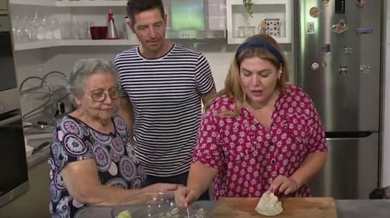 Απόστολος Ρουβάς & Δανάη Μπάρκα & γιαγιά Τούλα