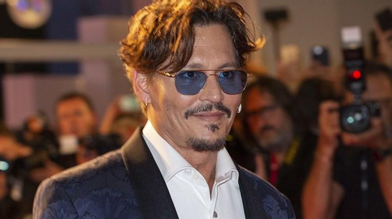Johnny Depp R