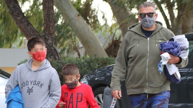 Ο Γιώργος Λιάγκας με τους γιους του, Γιάννη και Δημήτρη