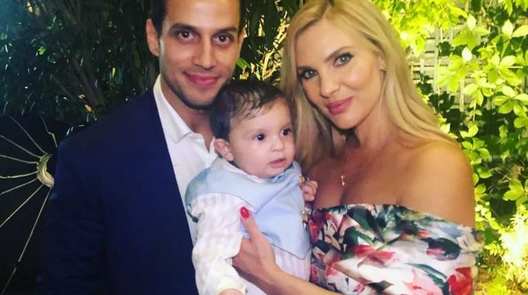 Χριστίνα Αλούπη & Κώστας Κέφαλος με τον μικρότερο γιο τους