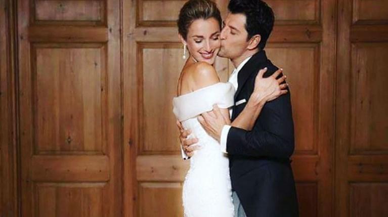 Σάκης Ρουβάς - Κάτια Ζυγούλη στον γάμο τους R