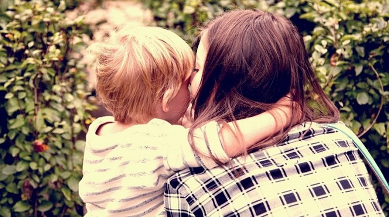 «10 πράγματα που θα πω στο παιδί μου για τα διεμφυλικά παιδιά»