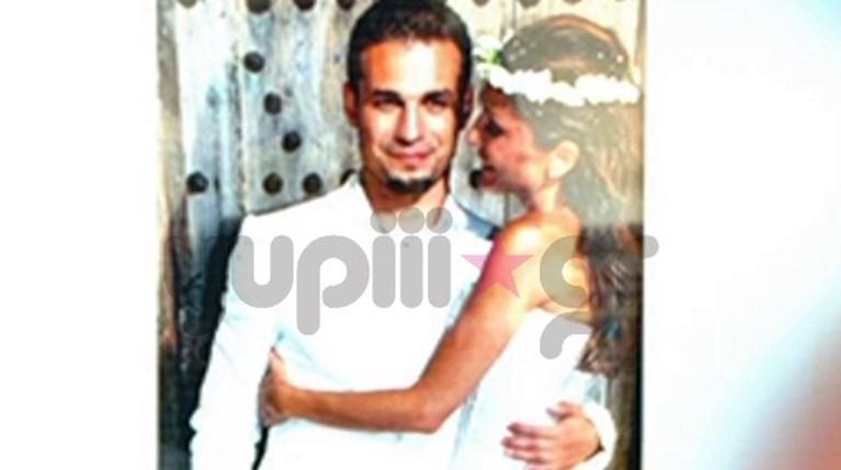 Δέσποινα Βανδή & Ντέμης Νικολαΐδης - γάμος (1)