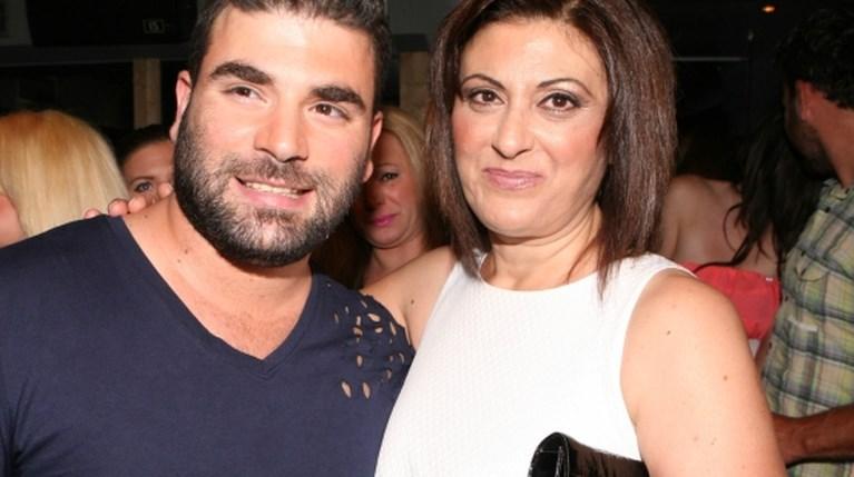 Ο Παντελής Παντελίδης με την μητέρα του