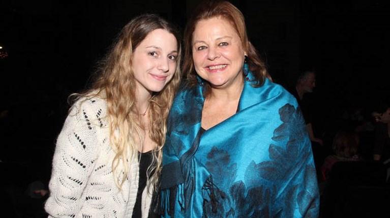 Θέατρο Χορν - Η Λούκα Κατσέλη με την κόρη της, Αμαλία Αρσένη