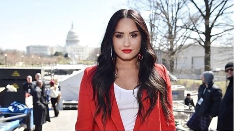 Demi Lovato r