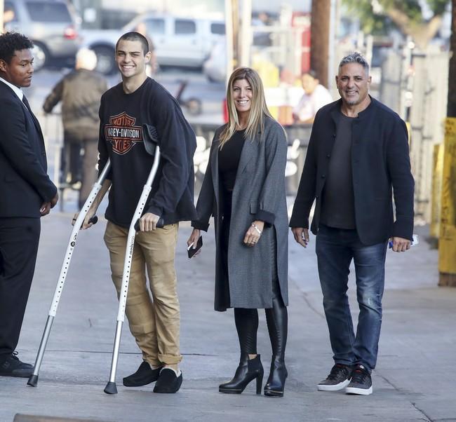 Hollywood ReportΟ νέος διάσημος έρωτας της Kaia Gerber  η Sarah Jessica Parker σε οικογενειακή εμφάνιση